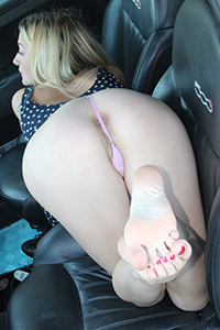 Free picture of a girl wearing ballet flats from BalletFlatsFetish.com - footfetishbeauties-medusablonde-automobile01-10