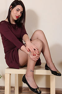 Free picture of a girl wearing ballet flats from BalletFlatsFetish.com - nylonfeetlove-petra-ballerinemk01-01