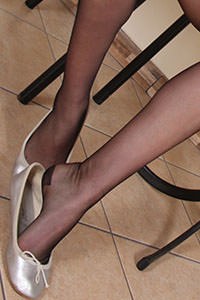 Free picture of a girl wearing ballet flats from BalletFlatsFetish.com - nylonfeetlove-layla-ballerine01-03